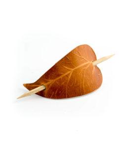 Hårpinne i läder 3