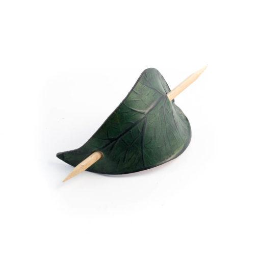 Hårpinne i läder 4